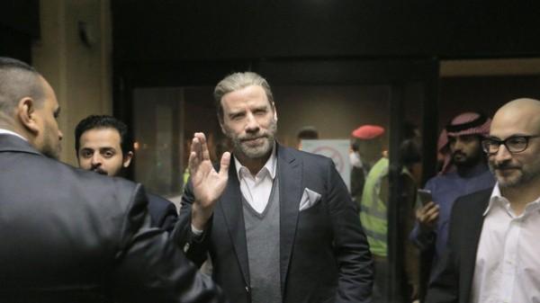 بالفيديو .. بعد ترخيص السينما جون ترافولتا يزور السعودية لأول مرة