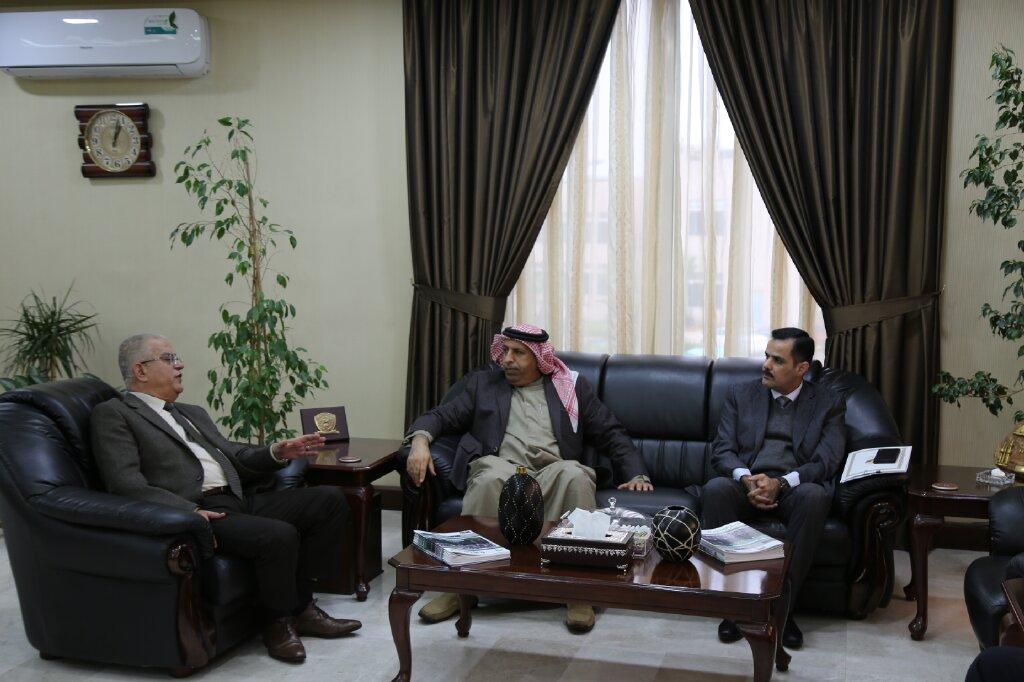 رئيس جامعة الزيتونة الأردنية يلتقي الملحق القطري العسكري