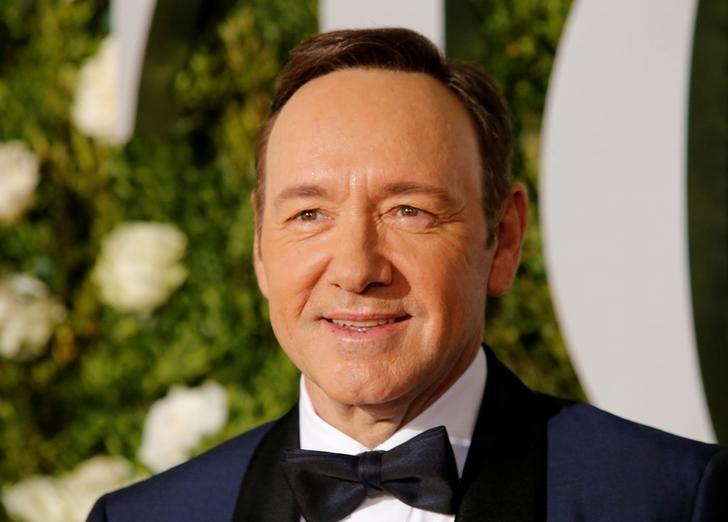 """""""مجزرة تحرش"""" تلاحق ممثل هوليود الشهير ..  20 رجلا يتهمونه"""