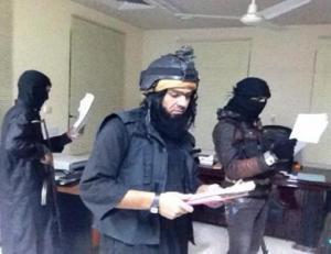 """إلغاء """"الموسيقى """" و""""التاريخ """" من المناهج الدراسية في مناطق داعش"""