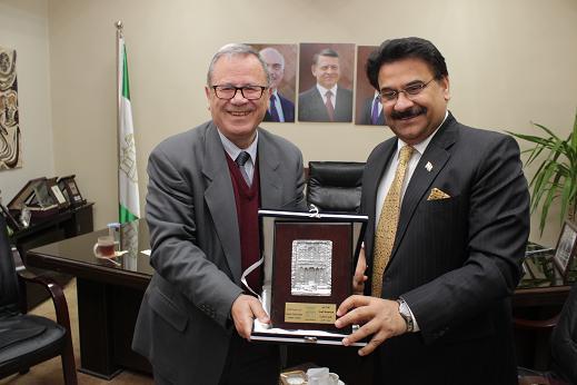 رئيس جامعة البترا يستقبل السفير الهندي في عمان