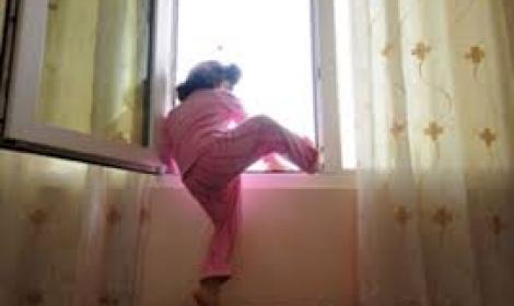 سقوط طفله من الطابق الثالث في مادبا