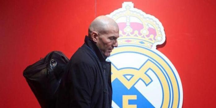 استفتاء صادم  ..  هذا رأي جماهير ريال مدريد في زيدان