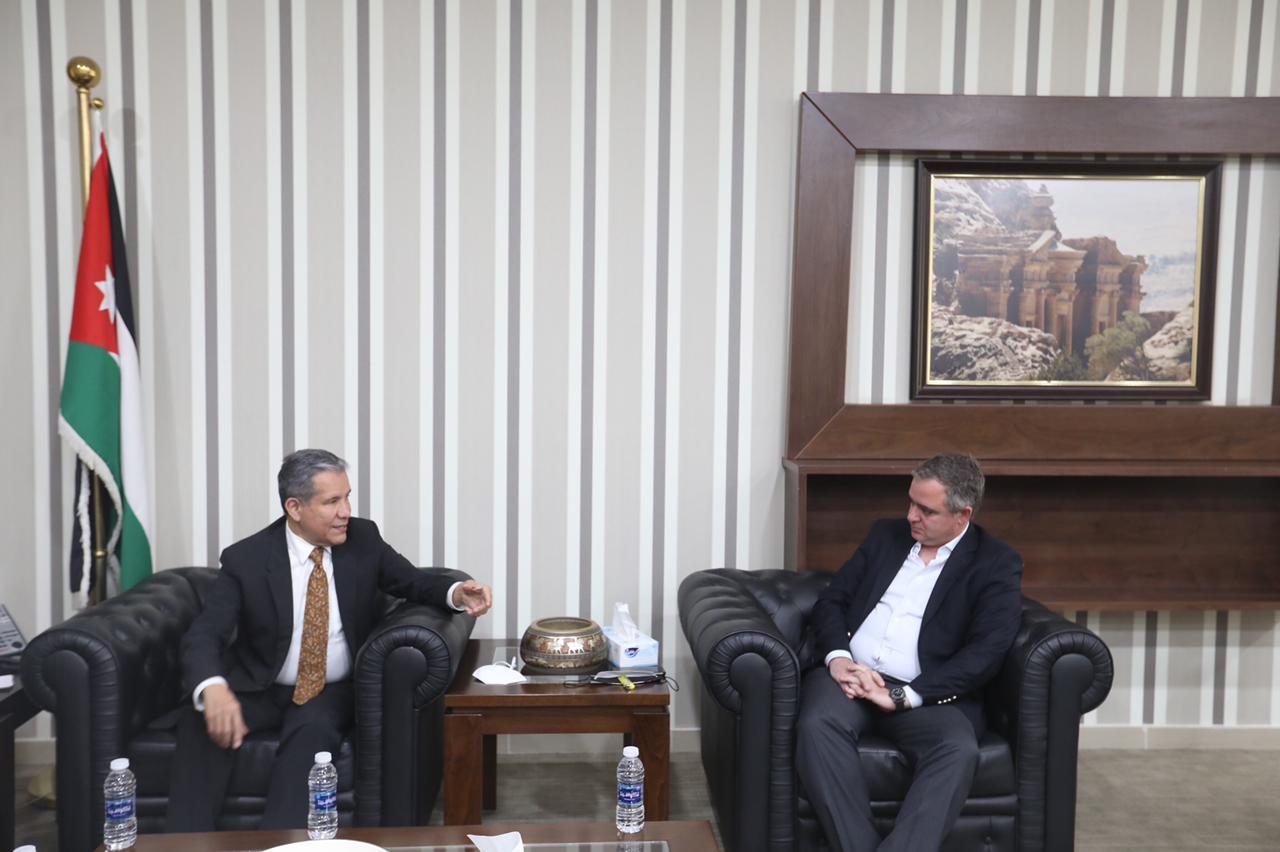 النابلسي يلتقي سفير المكسيك لدى المملكة