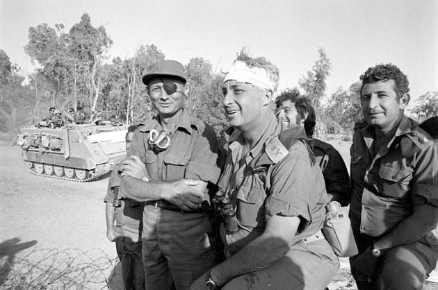 شارون وقع أسيراً بيد الجيش الأردني بمعارك اللطرون عام (1948).. وهكذا خرج من الأسر