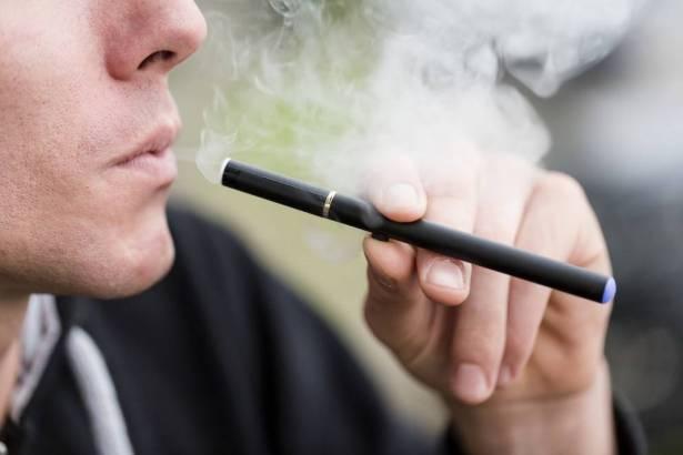 ستتوقفون عن تدخين السجائر الإلكترونية بعد قراءة هذا الخبر!