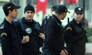 حادثة مروعة  .. شاب تونسي يقتل والدته بدماء باردة لهذا السبب الغريب