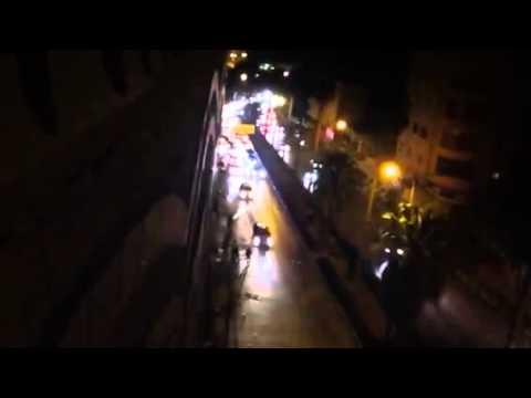 بالفيديو: موكب الشهيد أنس الاطرش لحظة وصوله مدينة الخليل