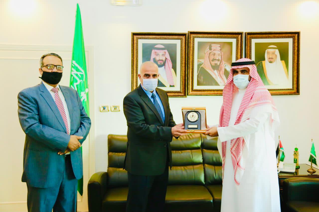 رئيس جامعة الحسين بن طلال يلتقي الملحق الثقافي السعودي