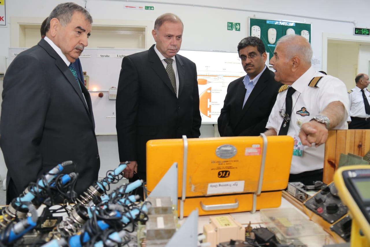 """تعزيز التعاون بين """"عمان العربية"""" و""""أكاديمية الطيران الملكية الأردنية"""""""