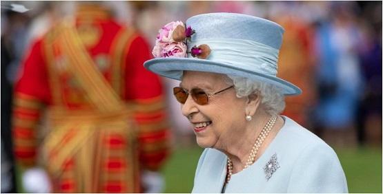 الملكة إليزابيث تواجه انتقادات حادة