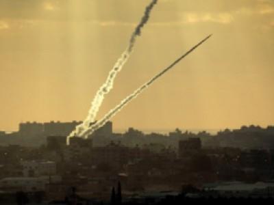 """تويتر يحذر """"اسرائيل"""" من صواريخ غزة"""