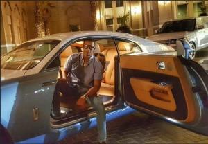 بالصور..شاهد اسطول سيارات محمد رمضان