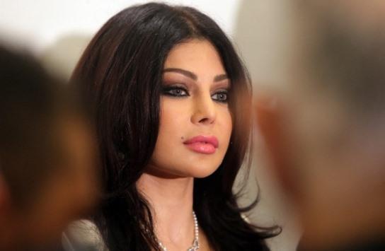 حفيدة هيفاء وهبي تعرض الأزياء على اغنية يا بطة  .. فيديو
