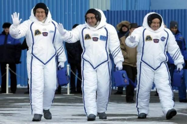 هؤلاء الثلاثة ..  مكلّفون بمهمة فضائية جديدة!