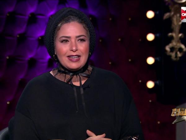 """بالفيديو .. صابرين: """"انا مش محجبة واللي حينزل معي القبر يقول البس ايه"""""""