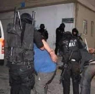 """القبض على"""" شقيقان"""" من تجار المخدرات وبحوزتهم كميات كبيرة من المواد """"المخدرة """"في العقبة"""
