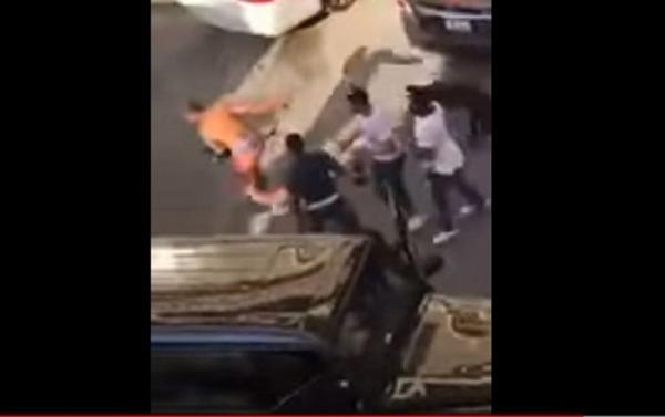 بالفيديو .. مشاجرة دامية لمجموعة من الشبان والفتيات في الكويت