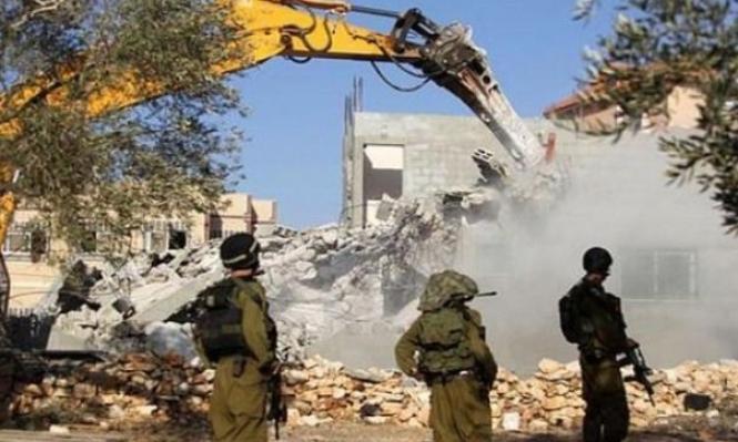 مقدسيون يهدمون بيوتهم هربا من غرامات الاحتلال