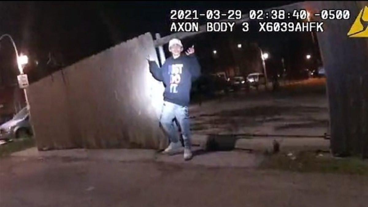 فيديو صادم لشرطي يقتل فتى عمره 13 عاما يثير صدمة في الولايات المتحدة