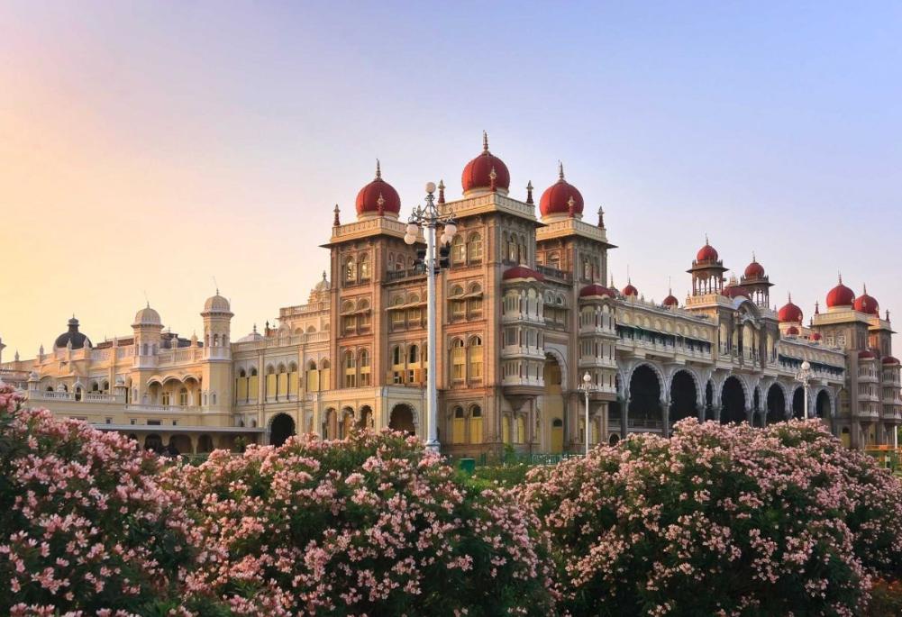 بالصور  ..  قصور الهند روائع معمارية وطراز فريد