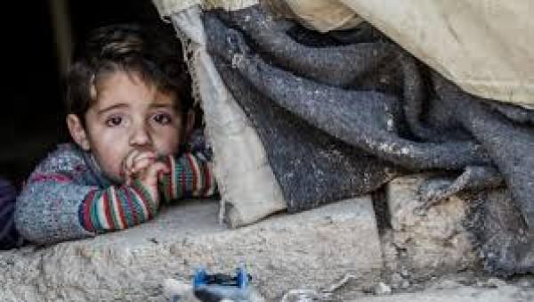امام أهل الخير  ..  رب اسرة فقيرة لا يتسطيع اطعام اطفاله الصغار ومهدد بطرده من المنزل يناشد اهل الخير