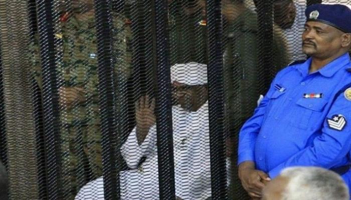 عمر البشير يمثل مجددا أمام المحكمة بتهمة الانقلاب