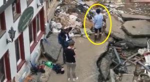 فضيحة  ..  شاهد مذيعة ألمانية تلطخ نفسها بالطين قبل البث من موقع دمار بسبب الفيضانات