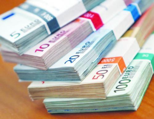 قرضان من المانيا وفرنسا بقيمة 225 مليون يورو