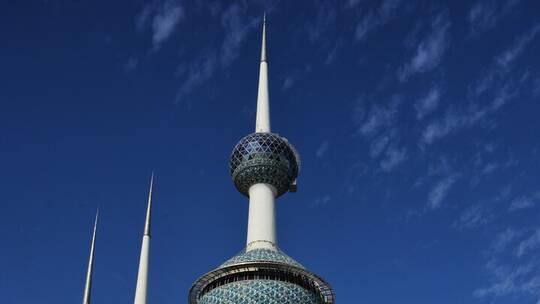 محكمة كويتية تقضي بتعويض مواطن أصيب بالعمى إثر اكتشافه خيانة زوجته مع 13 رجلا