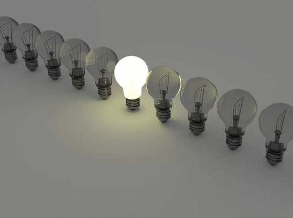 خبراء يحددون 5 معايير مهمة لإضاءة المنزل