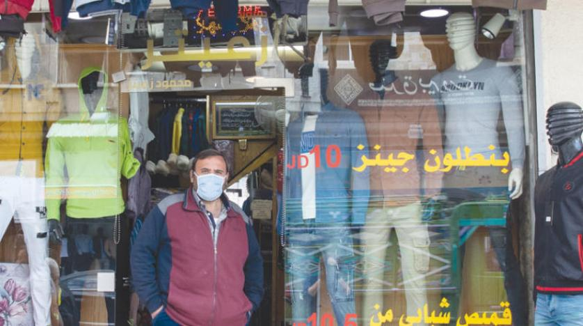 70 % تراجع مبيعات قطاع الألبسة و القواسمي يؤكد: الأولوية في رمضان لشراء المواد التموينية