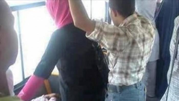 شاب يعترف بالتحرّش بامرأة في حافلة عامة
