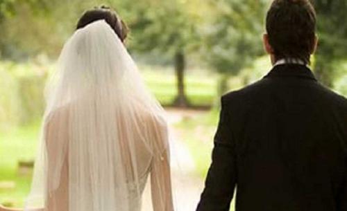 بالتفاصيل ..  مصرع عروسين بعد يوم من زفافهما