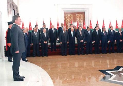أسباب كانت يجب ان تطيح بـ(10) وزراء من تشكيلة حكومة الملقي  ..  تفاصيل عن اخطاءهم