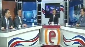شاهد بالفيديو  ..  الأستديو اهتزّ بقوة و أرعب الحضور  ..  لحظة وقوع زلزال تركيا أثناء بث تلفزيوني