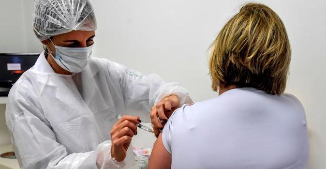 وزارة الصحة: رفع عدد متلقي لقاح كورونا الأسبوع المقبل لـ 50 - 60 ألف شخص يومياً