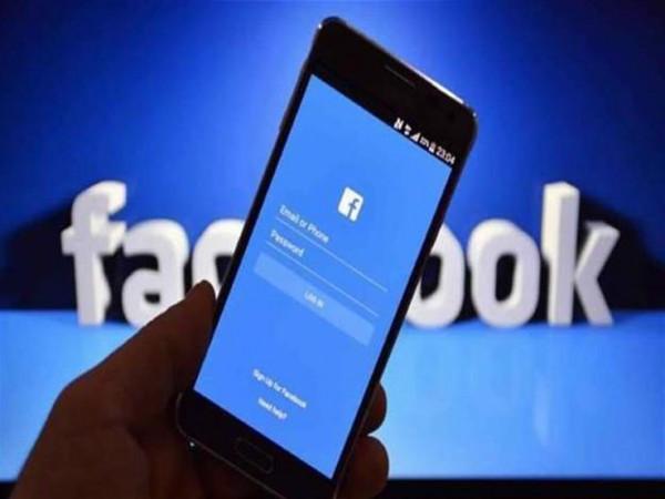 """""""اعرف مين بيراقب بروفايلك على فيسبوك"""" لم تعد خدعة"""