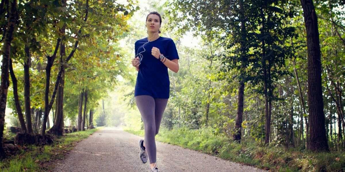 فوائد رياضة المشي ونصائح هامة عند ممارستها