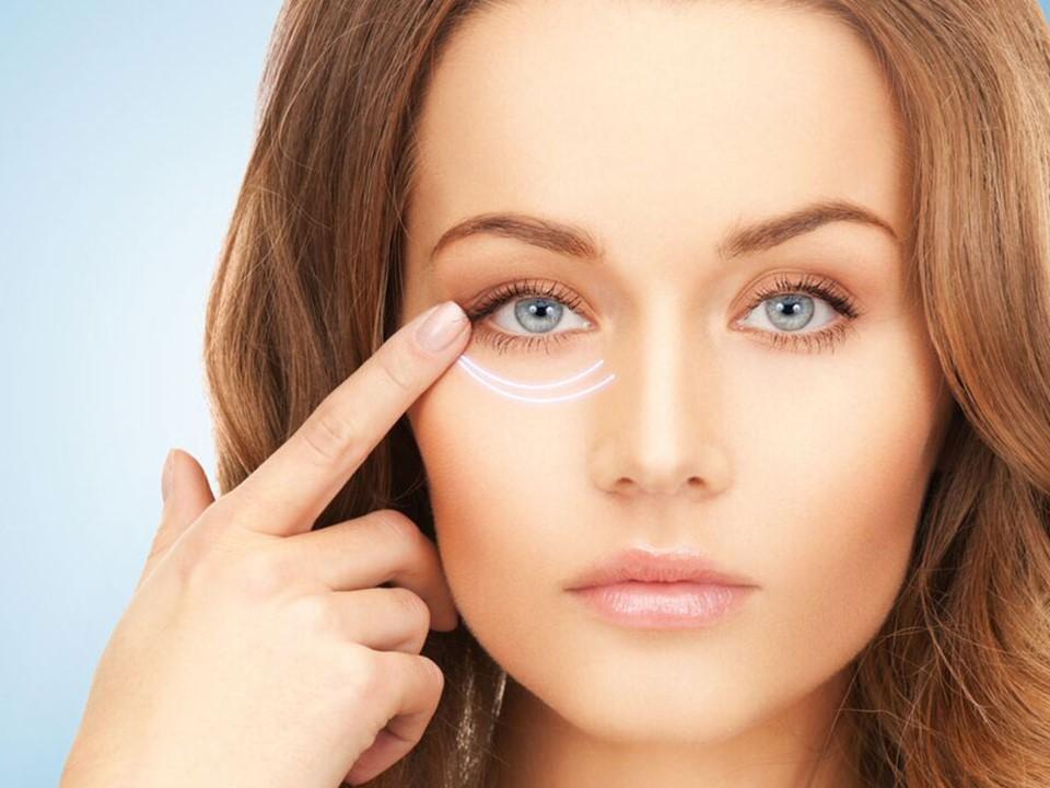 5 وصفات طبيعية للتخلص من التجاعيد أسفل العين