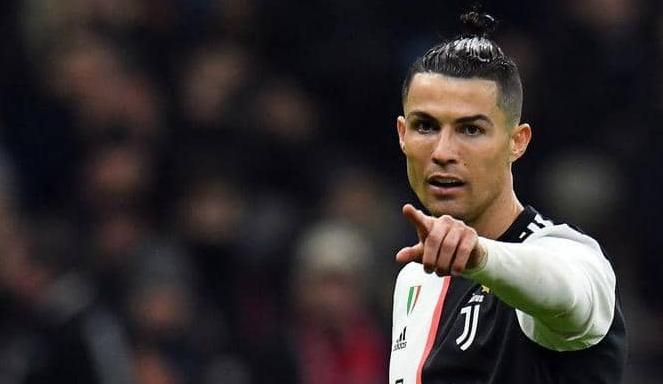 """هل تعيد أزمة """"كورونا"""" رونالدو إلى ريال مدريد؟"""