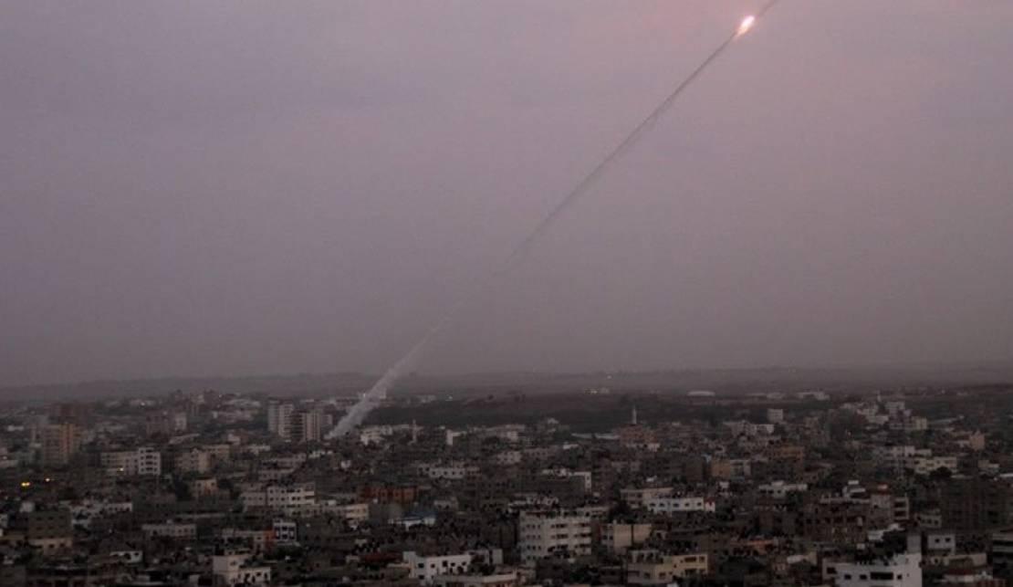 لليوم الثاني على التوالي ..  المقاومة تقصف مستوطنات غلاف غزة