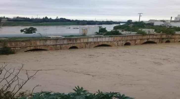بالفيديو ..  (6) قتلى والعشرات من المفقودين اثر تواصل الفيضانات في تونس