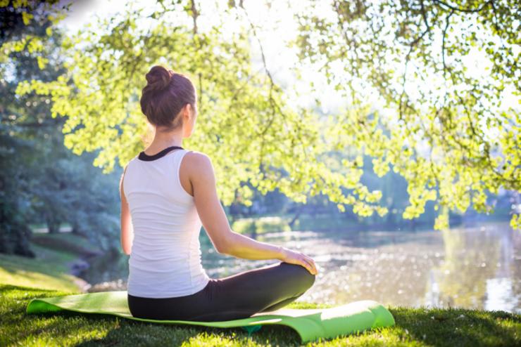 كيف تساعد اليوغا الجسم على التخلص من السموم؟