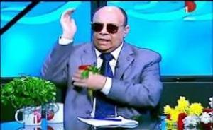 """بالفيديو.. زوجة للشيخ مبروك :""""زوجي رائحته وحشة ومش بيستحمى"""".."""