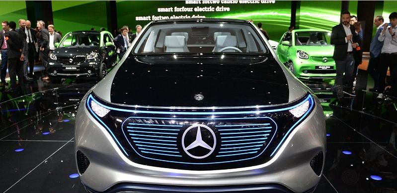 بالصور .. الشركة الأم لـ مرسيدس تعلن بأنها  ستنفق 10 مليار يورو لزيادة حجم عائلتها من السيارات.