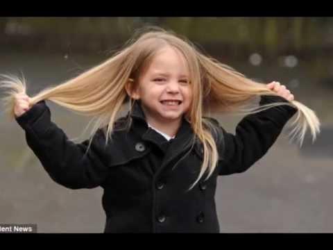 بالفيديو - صبي في الثالثة يملك شعراً كسلاسل الذهب!