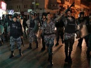 """وسط عمان: مشاجرة """"مسلحة """" وضبط 3 اشخاص ومصادرة اسلحتهم"""