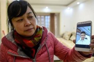 سيدة تعترف لابنها بعد 26 عامًا باختطافها له