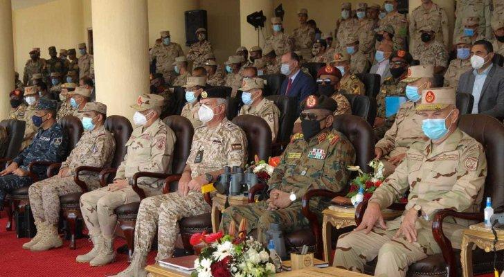 رئيس هيئة الأركان المشتركة يتابع التمرين العسكري (سيف العرب)